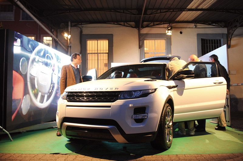 8f25722a4f8 Benedict has played a central role in creating the wireframe concept for  Land Rover, advising on the creation of the sculptures, which have been  showcased ...
