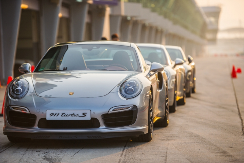 Mount Cotton Porsche Driving School This November