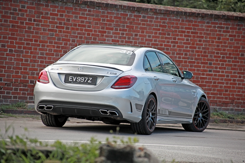 De-badge everything and you could fool anyone into thinking this 'is just a regular C-Class'