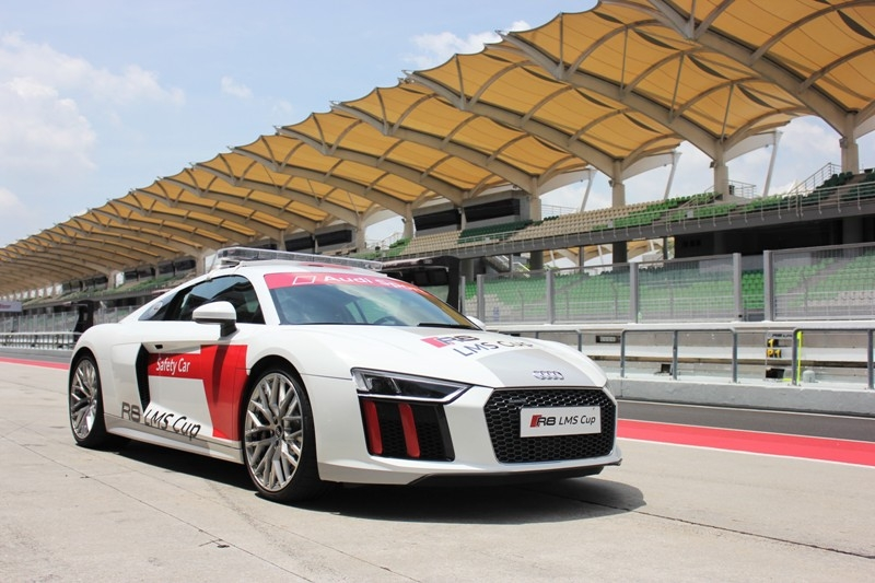 The Gentlemans Race An Introduction To The Audi R LMS Cup - Audi all series