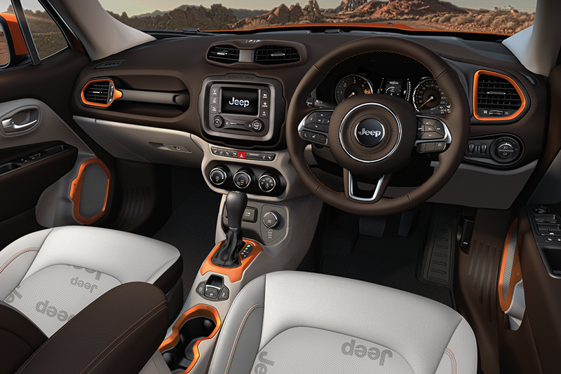 Even the interior of the Jeep has picked up an award with Ward's Auto, a leading industry publication. But why not? Just look at it, it's rugged and striking all at the same time.