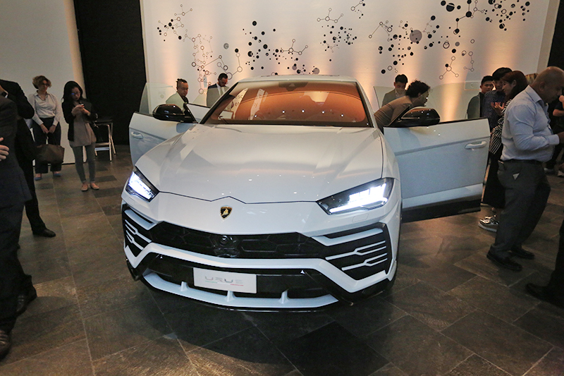 lamborghini urus launched in singapore