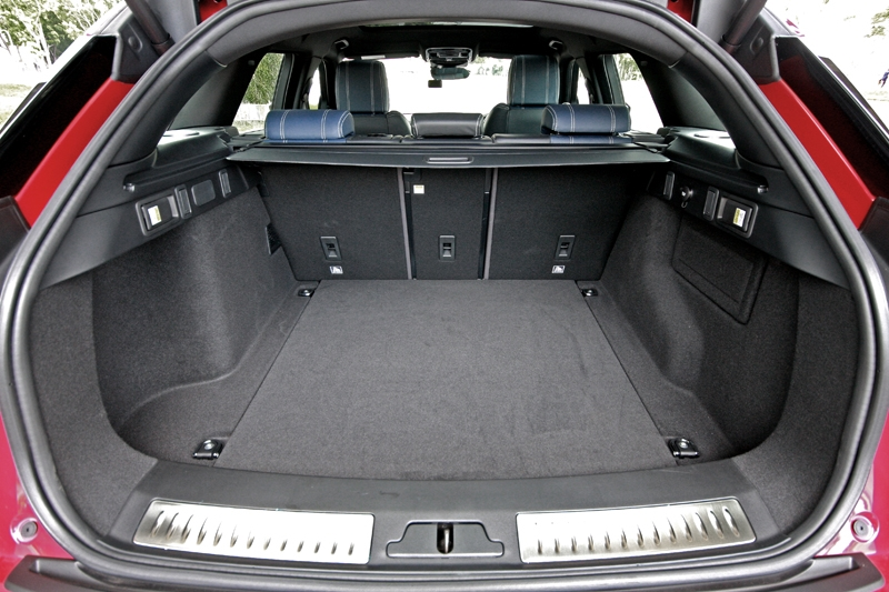 673-litres boot capacity at your disposal; bring the rear seat down and you instantly have 1,730-litres