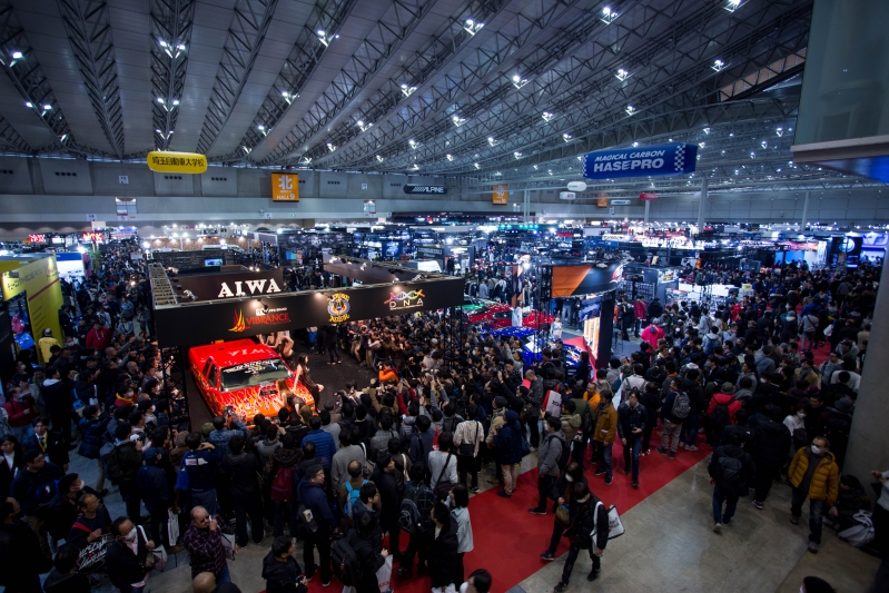 The scene at Hall 9 (out of 11) on Saturday afternoon, when a total of nearly 127,000 people thronged Tokyo Auto Salon's 4,200 booths.