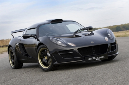 Exige S Type 72 features enlarged roof scoop (compared to the standard Exige S) and Lotus variable traction control and Lotus launch control.