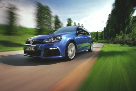 With the tuned up EA113, Volkwagen fans, especially those of the Golf will appreciate the all-new Golf R's power and torque gains over the outgoing V6, churning out a hefty 256 bhp and 330 Nm. This is also a very significant increase as compared to a stock Mark VI Golf GTI's 210 bhp and 280 Nm. Also, the R goes from zero to 100km/h in a mere 5.7 seconds. Now is that quick enough for you?