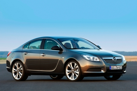 No wonder then, that the Insignia – have racked up some 40 awards, including the coveted European Car of the Year 2009. Customers confirm expert opinion: Nearly 230,000 orders have been taken so far, making the Insignia either the best-selling or second best-selling mid-segment car in 11 countries.