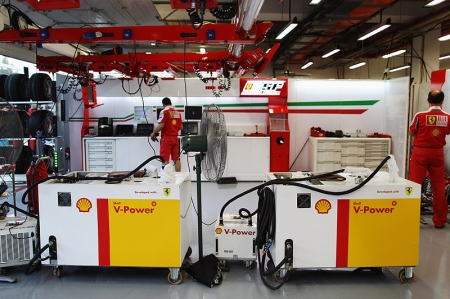 We were also introduced to the various Shell V-power personnel working in the Shell Track Lab such as Lisa Lilley (Shell Technology Manager) and her team of scientists.