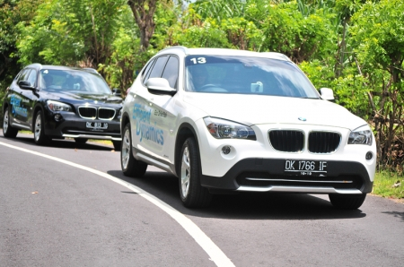 Held in the day, the test drives had the participants' plying their driving routes from Conrad Bali at Benoa to the Peak that overlooks the idyllic Suluban Beach at Uluwatu. In the process of driving to and fro in all 19 spanking new BMWs that ranged from the 325i to the latest X5 xDrive 30d, the participants' fuel efficiency were measured and recorded to see which driver is the most fuel efficient.