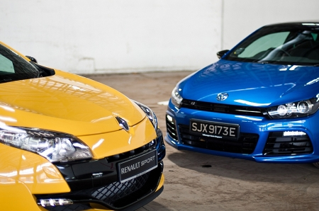 From the onset, the Megane Renault Sport (RS for short) has the fresher looks. Being the newer model, it has that advantage. That said, Scirocco R's front bumper adds visual aggression and sets it well apart from its lesser siblings.