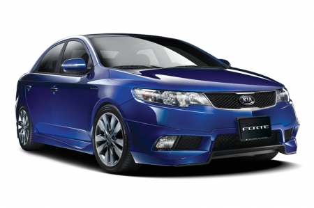 While the Cerato Forte and Forte Koup were equipped from Day One with the latest generation features to exceed the expectations of discerning drivers, Kia is going one better with the addition of even more equipment for all available versions. The wide stance and athletic lines of both models are tastefully enhanced with the addition of LED indicator repeaters on the wing mirrors. These not only improve the already dramatic looks of the Forte duo, but add to an already long list of safety features by better communicating the driver's intention to change direction. The cockpit environment also receives new features in both cars. A new boot-type wrap adds a dash of class and style to the transmission lever, for starters. Drivers of the enhanced Forte duo will also be delighted to find a set of Bluetooth controls on the steering wheel, for seamless operation of compatible hands-free mobile phone headsets. These not only take Bluetooth integration to new levels, but are yet another important safety feature, ensuring that the driver's hands never stray far from the steering wheel, where they belong.
