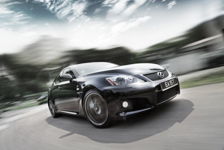 Lexus' name for class-leading refinement goes out of the window when you fire it up. With its deep throaty exhaust note, the IS F begins to show it's beastly side with its 417hp and 505Nm, 5.0L V8 growling. In fact, we longed for the moment we could stick it in sport mode on a long empty road and mash the throttle to the floor.
