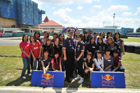 The Red Bull Rookies Team 2011 will be made up of two drivers from Malaysia, one from Brunei and one from Singapore. This search is open out to females age 18 to 30 years old who have a distinct passion for speed! The search was recently conducted through auditions held at various local universities and