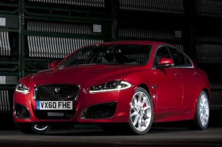 The new XF will be equipped with the existing engines, a 238 hp three litre V6 and 385 hp five litre V8. The XFR receives a 510 hp supercharged five litre V8 that will propel the cat from zero to 100 km/h in 5.1 seconds. The range-topper receives a more aggressive styling with three air dams that dominate the front of the car and a set of cooling vents set into the bonnet either side of the bulge. New sill extensions run down the side of the car framed by redesigned 20-inch wheels. At the rear the new lights sit above a redesigned bumper complete with a subtle diffuser.
