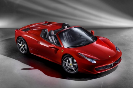 The 458 Spider is powered by Ferrari's naturally-aspirated,570 hp 4.5-litre V8 with 540 Nm of torque. The power is transferred to the road by Ferrari's dual-clutch F1 paddle-shift transmission through the sophisticated E-Diff, itself integrated with the F1-Trac traction control and high-performance ABS for maximum handling dynamics.
