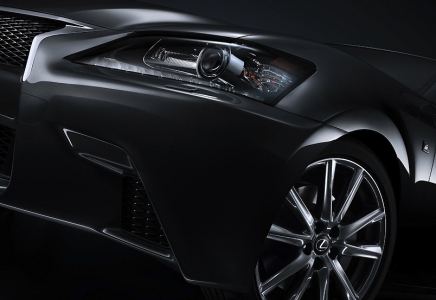 Just last week, the 2013 Lexus GS 350 was launched at the Pebble Beach Concours d'Elegance in California. Lexus' competitor next to BMW's 5 Series, Mercedes-Benz's E-Class, Audi's A6 and Jaguar's XF, the GS 350 is powered by a 3.5 liter V6 engine that whips out 306bhp at 6,400 rpm, with maximum torque rated at 375Nm at 4,800 rpm. Mated to a 6-speed sequential-shift automatic transmission, the Lexus GS will sprint from 0 to 100km/h in an impressive 5.7 seconds, with a top speed of 230km/h.