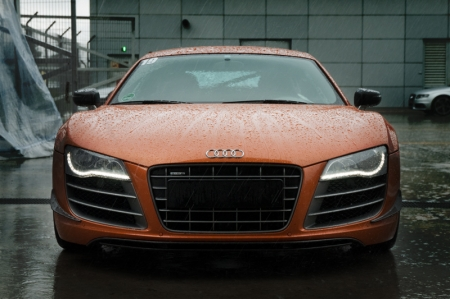 After being grouped, we were first sent off to do a hot lap on the South Track in the Samoa Orange-hot Audi R8 GT. Because of its rarity - with only 333 units to be built - we were not allowed to drive it. With the track still wet from the rain, it was interesting to see what Daryl could do with 560 hp...
