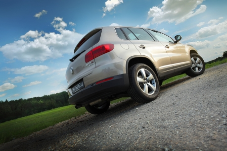From the rear, the new Tiguan immediately looks more 'manly' with the new tail-lamps. The curvy ones have made way for a simpler, but better design that feature VW's signature L-shape LEDs.