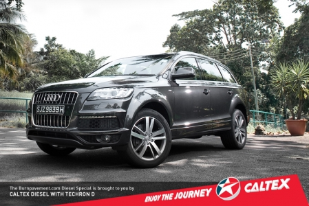 So that's enormous and powerful explained, what about the rest of the car? The massive SUV has always been handsome, so there's no denying that it is a good-looker. A strong and burly front-end with DRLs and a colossal signature Audi grille all combine to give the Q7 a tough yet subtle demeanor.