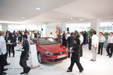 This new showroom and service centre, which was previously occupied by now-defunct local Mazda dealer, Mazda Motors, was revamped to a tune of S$1 million to turn it into a Volkswagen service centre with full facilities.