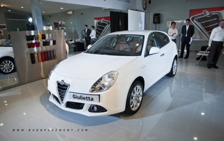 Before reaching the shores of Singapore, the Alfa Romeo Giulietta has already won numerous awards and is exalted as the safest-ever compact saloon ever tested (according to the Euro NCAP 2010 standard).