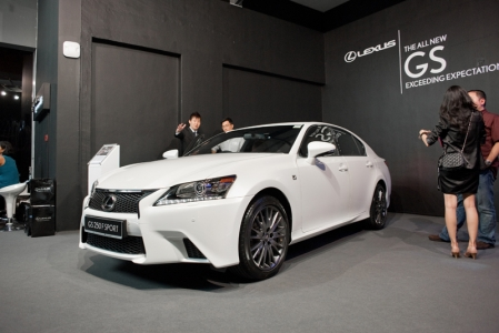 F Sport package will be outfitted with a sport front bumper and rear lower valence, rear lip spoiler, unique F Sport mesh grille inserts and F Sport badging. Will there be a GS-F? Mr. Sato could only say that it was not information that he could share openly with us, as that is