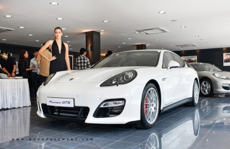 At Porsche, GTS stands for Gran Turismo Sport, promising extraordinary Porsche performance ever since the legendary 904 Carrera GTS back in 1963. Together with the Panamera GTS, two other members of the Panamera model range - Panamera Turbo S and Panamera S Hybrid - were also displayed.
