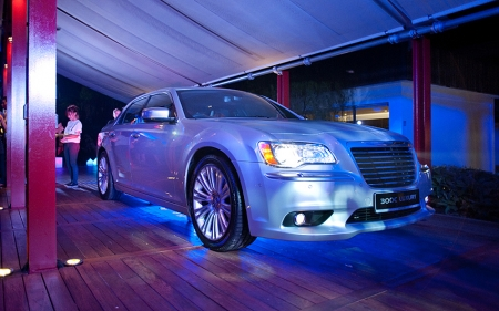 After more than five years in Singapore, the 300C was recently given a facelift to keep it fresh and relevant. At the same time, to present itself as a unique alternative next to the more predictable German and Japanese offerings.