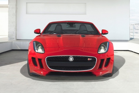 Jaguar, which has innovated the use of aluminum body structures, built the new Jaguar F-Type around its most advanced rigid and lightweight aluminum architecture to date. Jaguar engineers applied more than a decade's worth of aluminum construction experience to achieve the twin goals for the F-Type of low mass and an extremely rigid body.