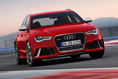 The engine is not that new, the 4.0 TFSI, which debuted last year, is an example of Audi's downsizing strategy in the high-performance category. In the new Audi RS6 Avant, the twin-turbo V8 delivers 560 bhp and 700 Nm of torque that is available between 1,750 and 5,500 rpm.