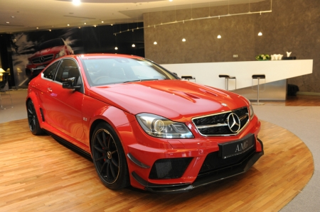 A total of 195 AMG Performance Centers were established in all central markets since 2008. A key component of the AMG brand claim