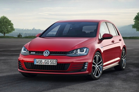For a punchy hot-hatch with 380 Nm (available from 1,750 rpm), it boasts a low 122 g/km CO2 emission output, sips an average of 4.7 litters every 100 km and complies with the stringent EU-6 emissions standard as well. Making it not only the most powerful Golf GTD and Golf 7 to date, but one of the most economical fast hatches as well.