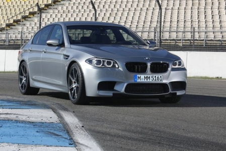 When BMW first introduced the F10 M5, many complained about the relative lack of exhaust noise as compared to its V10-powered predecessor. Sure, it may give one less aural pleasure, but the performance gains more than made up for it. However, in terms of aesthetics, BMW still has some way to go before the F10 could look anywhere near as good as its grandfathers.
