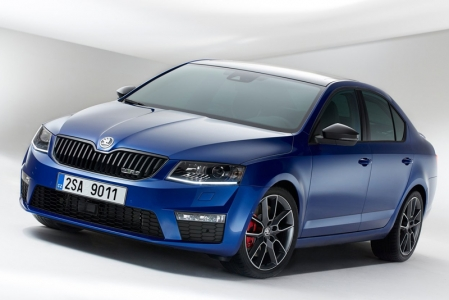Like previous versions, the vRS will be available in both petrol and diesel form, and gets identical mechanicals to the current Golf, which means either the 220 bhp, 350 Nm 2.0-litre TSI from the GTI, or the 184 bhp, 380 Nm 2.0-litre TDI from the GTD. To give an idea of how the Fastest Octavia Ever performs, the TSI version equipped with a 6-speed manual will do 0-100 km/h in 6.8 seconds and will top out at 248km/h. Stop-start, Brake Energy Regeneration and the optional 6-speed DSG gearbox should help fulfill Skoda's claims of a 19% improvement in fuel efficiency compared to the old models.