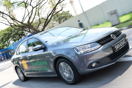 With its official combined fuel consumption of 16.6 km/L, the Jetta Sport 1.4 TSI was a natural choice for the Shell FuelSave Challenge. Its 1.4 TSI Twincharger engine with 160 bhp and 240 Nm of torque blends dynamic performance with outstanding fuel efficiency.