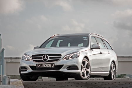 The E250 Estate might not be as sharp as the 5 Series or A6, but looking at the average Mercedes audience, it is still up to the task when taking sweeping corners slightly faster. Body movements are well controlled and you don't get any unsettling sensation from the rear suspension while doing quick lane changes.