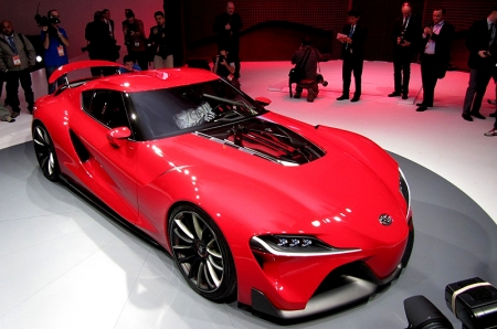 While no details were revealed about power source at time of unveiling, we did reported earlier that BMW and Toyota had signed an agreement to cooperate on various areas. Hence, as this is a sports car after all, we reckon it could be potentially running with BMW's twin turbo'd six-cylinder lump paired to a 7-speed DCT. A bigger surprise would be seeing this car getting the hybrid treatment, ala BMW's i8. But hey, let's just wait for more info about this FT-1 as it comes; exciting times for Toyota…