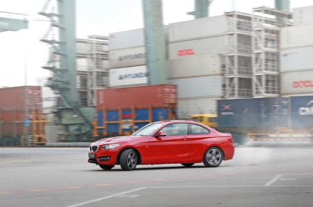 If you do feel ham-fisted, rest assure that the 220i can still misbehave. Being a rear-wheel drive, oversteers are possible; not that we are encouraging, but you know, #justsaying.