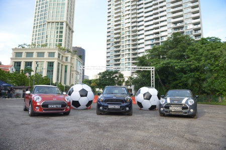 Recently, BMW Asia invited Burnpavement to sample the new MINIs first hand on a specially designed course: Zouk's car park area. Knowing it was all loose gravel, I anticipated lots of slippin' and sliding' the entire day…