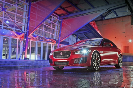 The aluminium-intensive Jaguar XE is the first model developed from Jaguar Land Rover's new modular vehicle architecture and Jaguar is aiming to set the standard for driving dynamics in the  segment. The long wheelbase and low seating position enable perfect proportions and a streamlined, coupe-like profile.