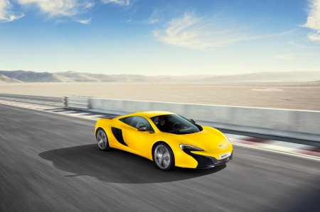 The name of the 625C refers to the power output of the highly efficient derivative of the 3.8-litre twin turbo V8 powerplant — 625PS (616bhp). 'C' stands for 'Club', highlighting a more accessible and less extreme model in terms of character. However, the McLaren 625C enjoys a number of the technical advances already debuted on the McLaren 650S.With a power output of 616 bhp, enhancements have been made to driveability and efficiency with engine torque of 610 Nm. Acceleration from zero to 100 km/h takes just 3.1 seconds, while 200 km/h is reached in 8.8 seconds for the Coupé. Despite the lower power of the 625C, maximum speed mirrors that of the 650S, at 333 km/h (329 km/h for Spider), and CO2 emissions remain the same, at 275 g/km.