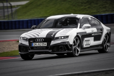 Audi believes that piloted driving is one of the most important development fields - the first successful developments were achieved ten years ago. The latest test runs at the physical limit are providing the Audi engineers with insights for the development of automatic avoidance functions in critical driving situations, for example.
