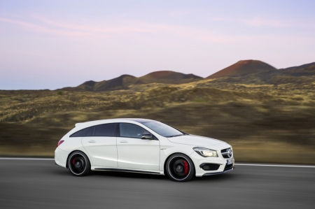 The fourth high-performance compact car from Mercedes-AMG adopts the same philosophy as the successful CLS 63 AMG Shooting Brake by taking the form of a sports car with five seats and a large tailgate.