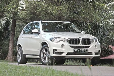 Which was why, historically speaking, Volvo's XC90 was once the people's champion; every family men and soccer mums loved it. It has the cabin space of a 5-room HDB flat, the pace of an executive sedan (you have the option of a 2.5-litre turbocharged and 4.4-litre V8) and best of all, an easy to drive demeanour. Volvo's renowned safety and reliability summed up the package.