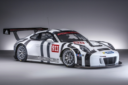 Adapted from its production sibling, the 911 GT3 R features the distinctive double-bubble roof, and the wheelbase which has been lengthened by 8.3 centimetres compared to the previous generation. This ensures a more balanced weight distribution and more predictable handling particularly in fast corners, in comparison to the previous GT3 R.