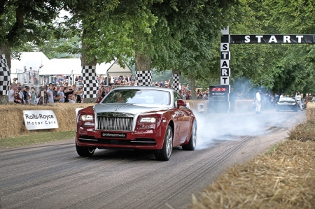 At the same time, the Wraith recorded a speed of 171 km/h as the car crossed the finish line, beating the Company's previous Goodwood Hillclimb record that was set in 2014. The Wraith was driven by champion mountain and hillclimb driver, Joerg Weidinger.