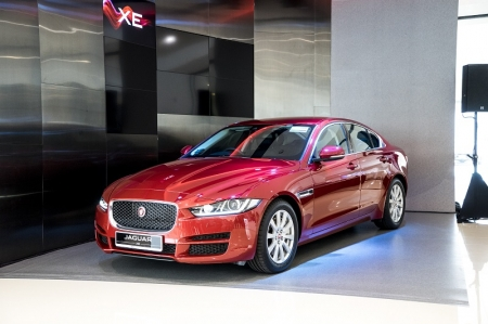 The last time this part of the market saw a British entrant was back in 2009, with the Jaguar X-Type. It was a competent enough performer, but the styling was decidedly, shall we say, old-school. Certainly not a description you could make about Jaguar's newest attempt, the XE.