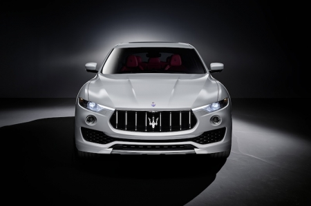 The design of the Levante features clear associations with the Maserati brand: An aggressive front introduces new, tapered headlights separated into two elements, with the upper headlight unit connected to the radiator grille. Maserati's design signature is clearly visible on the sides: the three iconic air vents on the front wings, the trapezoidal C-pillar with the 'Saetta' logo and the large, frameless door windows. The rear is dominated by the very tapered back window and streamlined shape, both typical of a high-performance sports car.