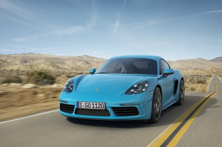 The similar, new 2.0-litre turbocharged four-cylinder flat engine seen in the 718 Boxster are being deployed in the 718 Cayman. As a result, both coupé and roadster have an identical engine output for the first time - the entry-level version starts with 300 hp. The S model has more,  delivering 350 hp courtesy of a bigger 2.5 litre engine; it gets 25 hp more power compared to the predecessor models.