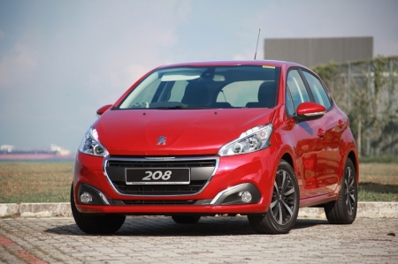 But between the 207 and the 208, there was a rather long pause for a successful Peugeot model. And during that period, two generations of the Honda Jazz hit our market and succeeded, COE prices went up and 10-year loans are no longer possible.